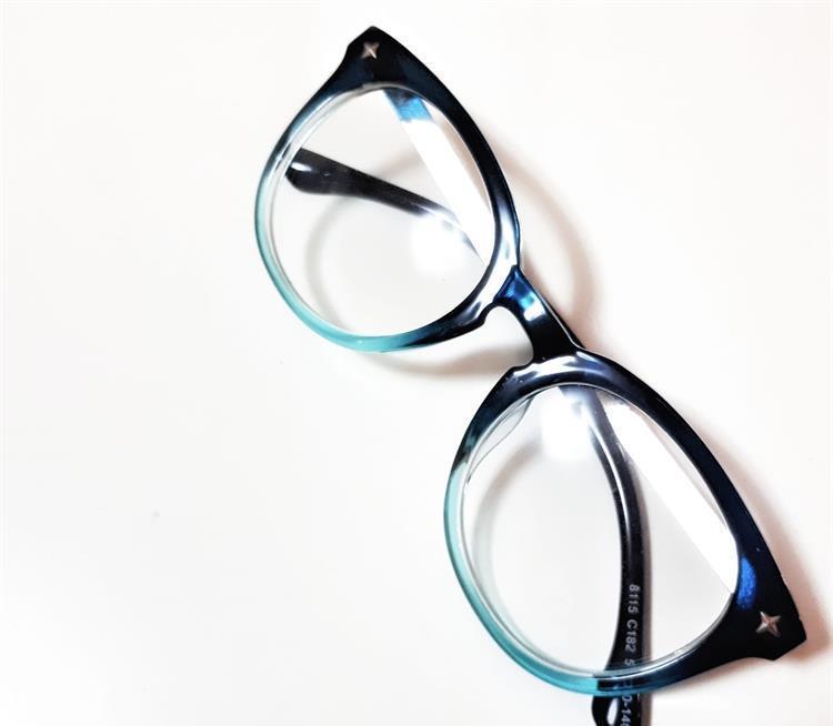 העברת עדשות ממסגרת ישנה למשקפיים חדשים